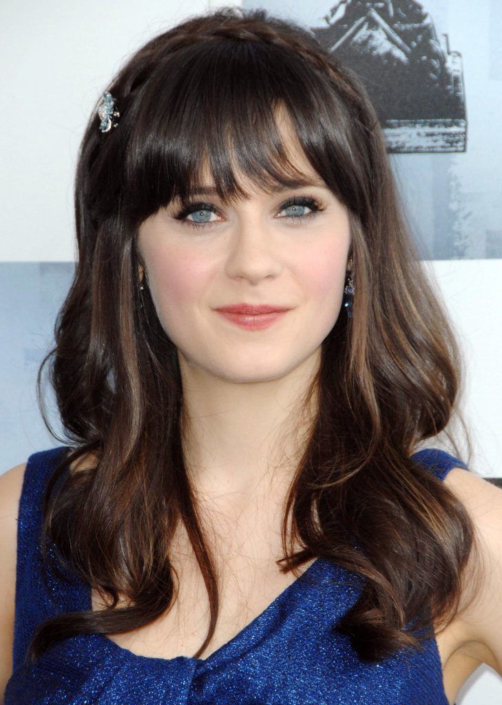 Zooey Deschanel at Film Independent's 2009 Spirit Awards, on the beach, Santa Monica, CA 2/21/2009