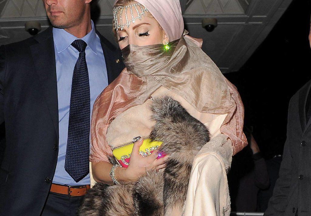 celebrities who wear fur