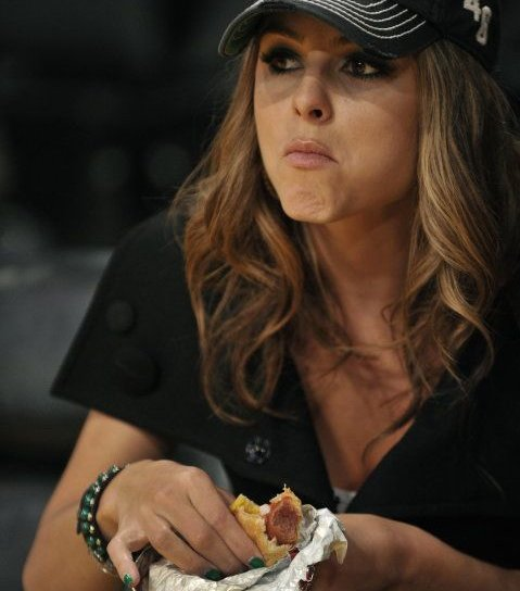 famous people eating hot dogs