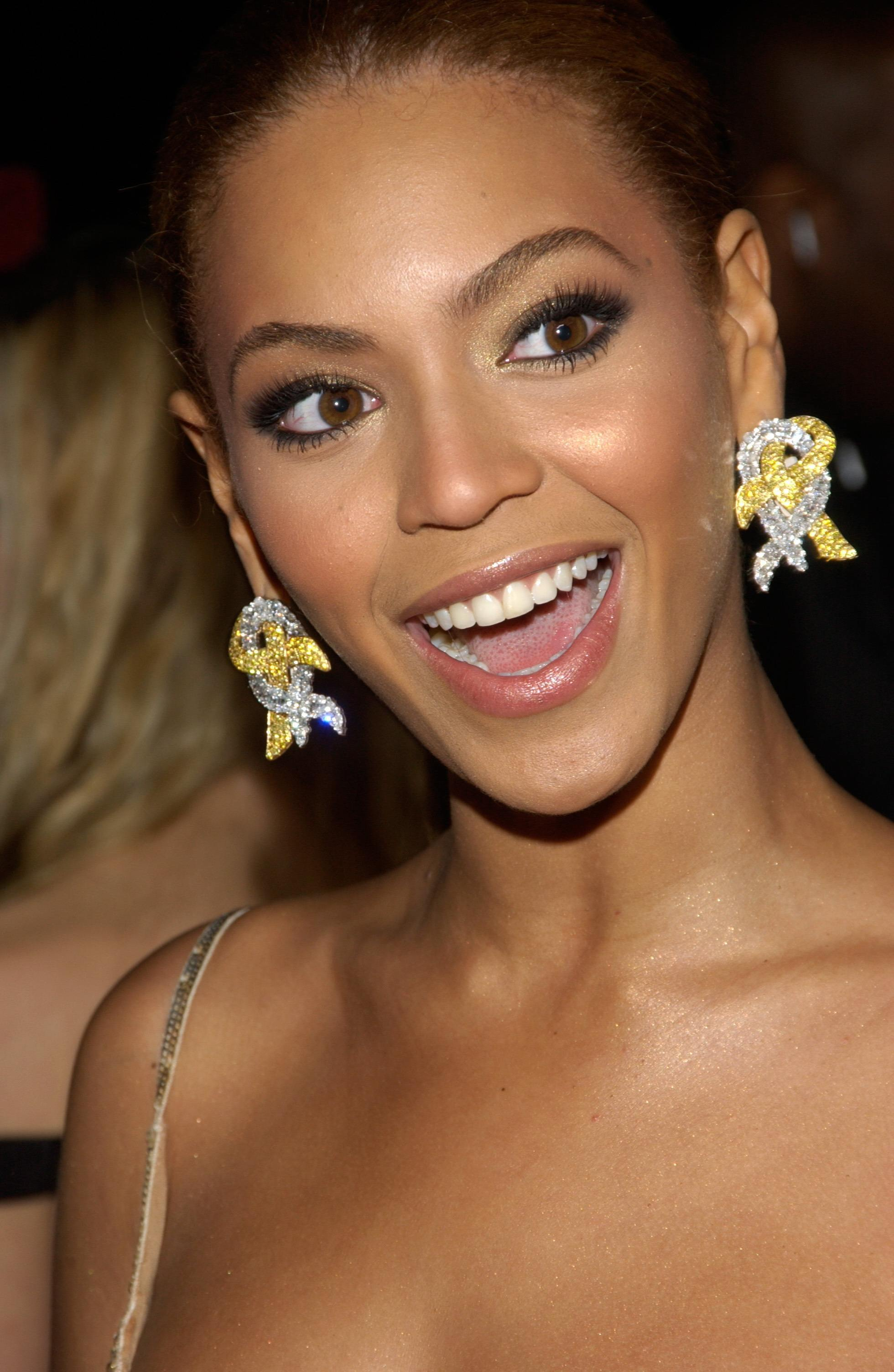 9 Sexy Celebrities with the Best Teeth in Hollywood - Page ... Beyonce Knowles