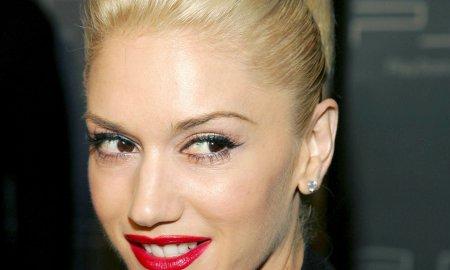 Gwen Stefani smile