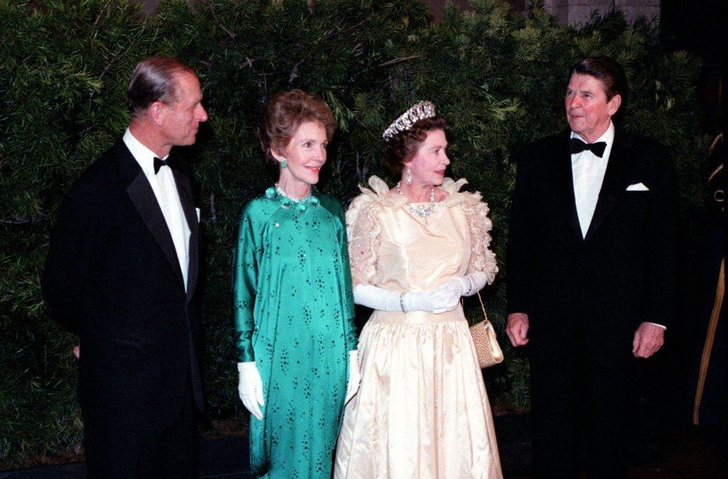 Queen Elizabeth with Ronald Regan