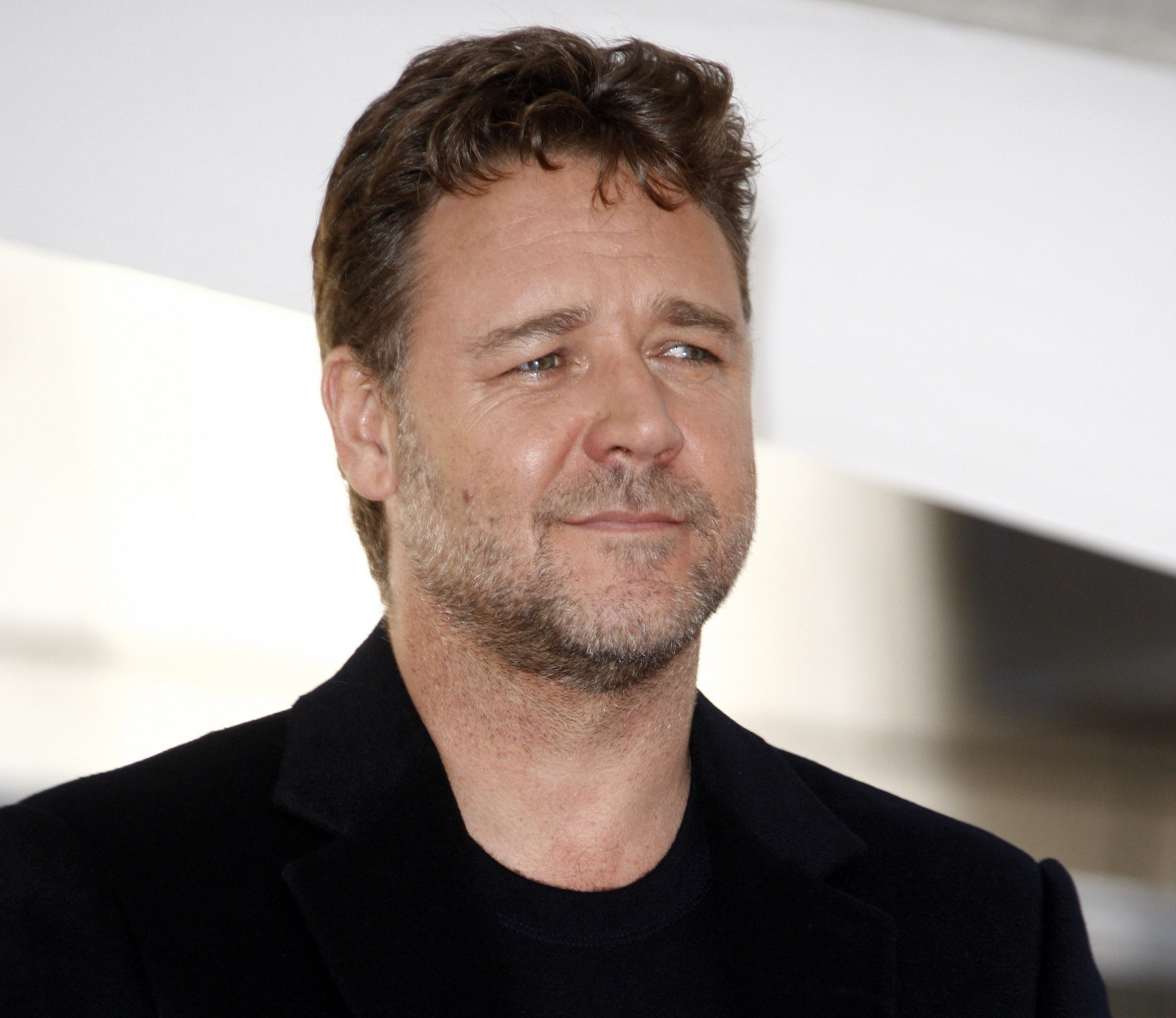hollywood stars russell crowe - HD 2588×2240
