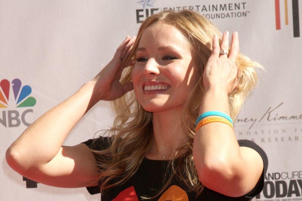 """Los Angeles - Sep 10:  Kristen Bell Arrives At The """"Stand Up 2 Cancer"""" 2010 Event At Sony Studios On September 10, 2010 In Culver City, Ca"""