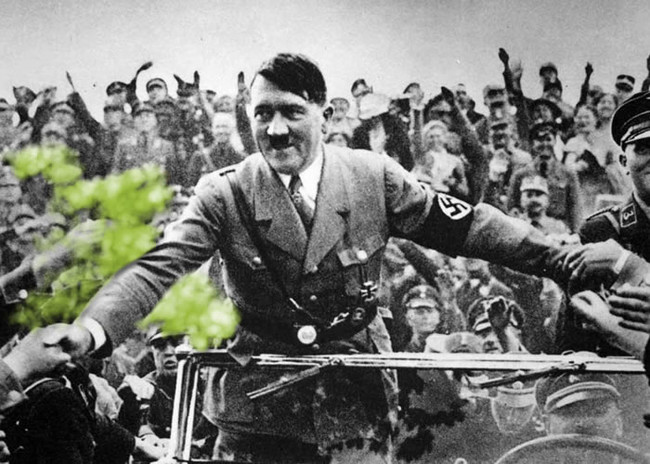 Hitler the Pooter