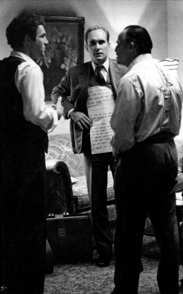 Brando used cue cards