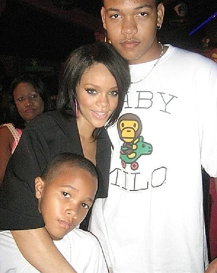 Rihanna and brothers