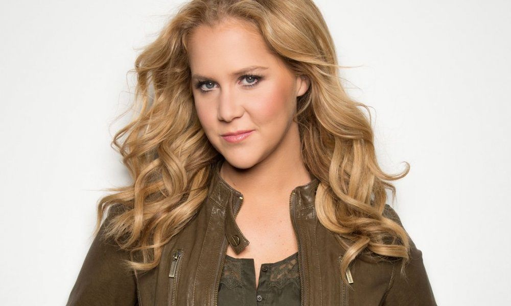 Trump Fans Walk Out of Amy Schumer's Show - Fame Focus