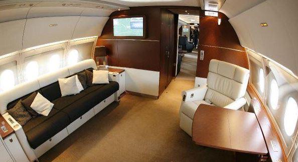 tom cruise jet