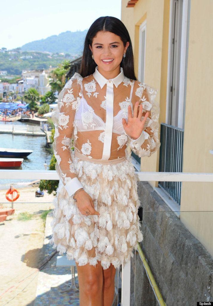 Selena Gomez horrible outfit